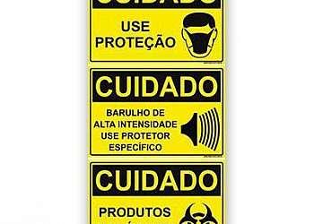 Placa de segurança do trabalho